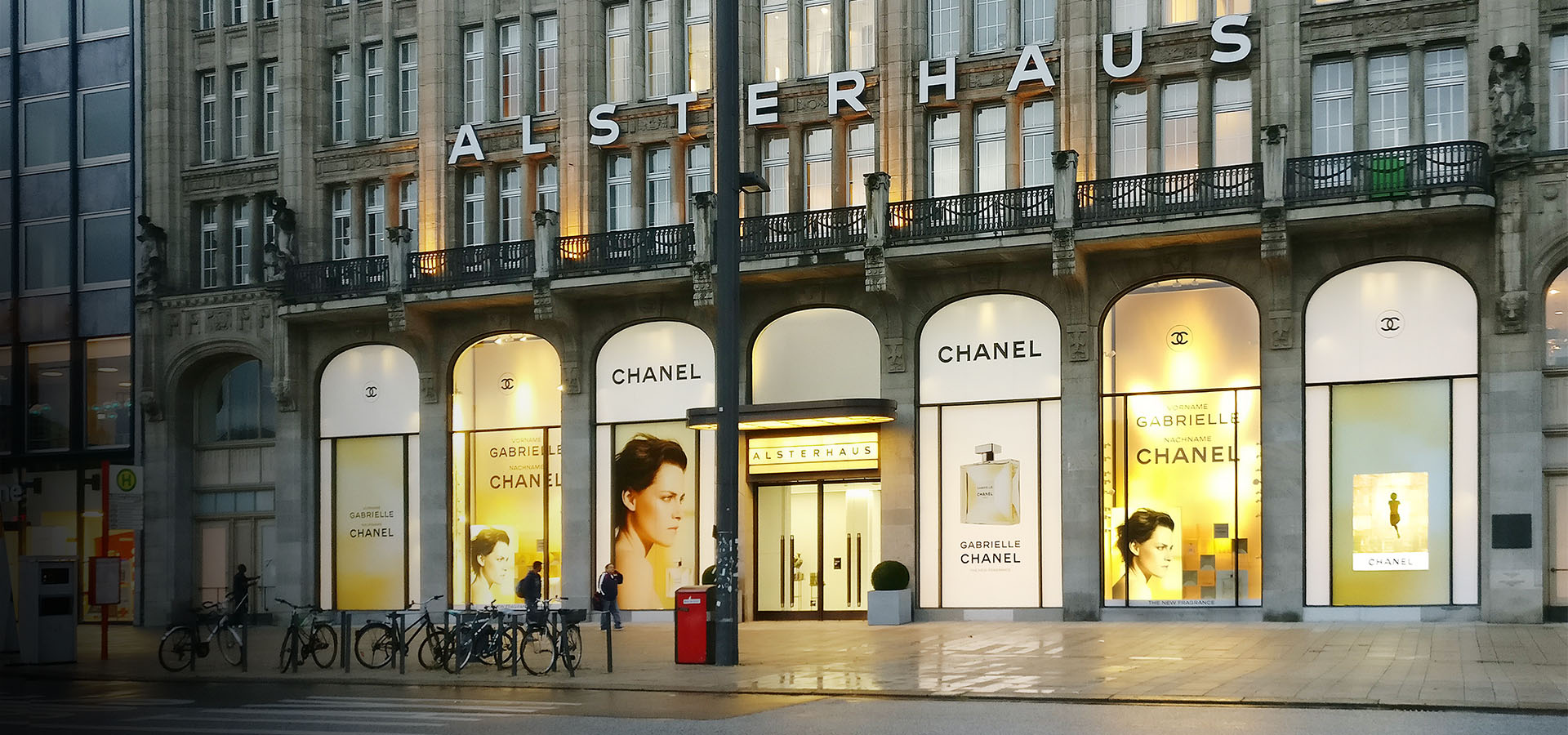 Alsterhaus Chanel Schaufenster